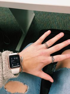 23 Ideas Wallpaper Iphone Gold Products For 2019 Apple Watch Accessories, Iphone Accessories, Apple Watch Bracelets, Apple Watch Bands Fashion, Accesorios Casual, Apple Watch Wallpaper, Accessoires Iphone, Apple Watch Series, Cute Jewelry