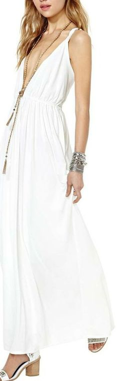 ETHEREAL WHITE LOW CUT FLOWY MAXI WITH TASSEL NECKLACE TREND mythica dress