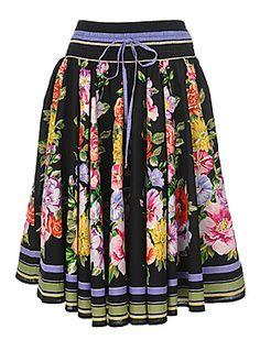 Simons gorgeous skirt......but 125$
