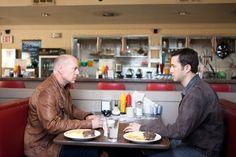 Still of Bruce Willis and Joseph Gordon-Levitt in Looper - In fuga dal passato (2012)