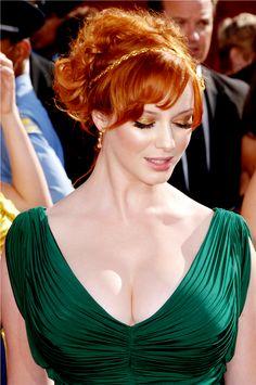 #redhead #ChristinaHendricks #madmen Ginger beauty. Wow.