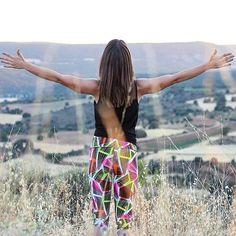 Llega hasta donde tu quieras en vacaciones todo es posible o no? @eliredspirit solo necesita el legging Salar y naturaleza alrededor  #vacaciones #descanso #yoga