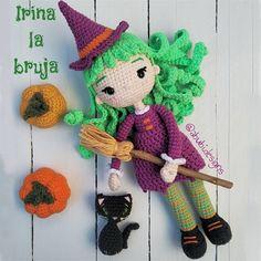 """21 Me gusta, 4 comentarios - ♡Poly Bernoy ♡ (@abubi.designs) en Instagram: """"(ESP/ENG) """"Toda bruja es una buscadora de luz, una reparadora de almas, una tejedora de sueños"""".…"""" Amigurumi Doll, Crochet Hats, Dolls, Instagram, Cute Animal Drawings, Bruges, Miniatures, Knitting Hats, Baby Dolls"""