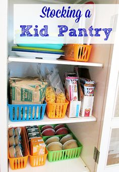 Stocking a kid pantry is easy to do with bags of portioned cereal, granola bars, applesauce, juice and other snacks that are perfect for grab and go! #AHugeSale #ACME [ad]