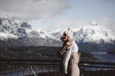 IDEAS PARA HACER FOTOS ORIGINALES EN TUS VACACIONES DE INVIERNO   Mary Wears Boots Travel Style, Bucket, Ideas, Winter Holidays, Funny Photos, Snow, Buckets, Thoughts, Aquarius