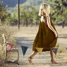 Découvrez notre Robe Mia - ocre pour enfant Numéro 74 l www.little-home.fr