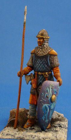 Русский воин, стоящий с копьем - 13 век  ММС