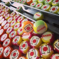 "Customized Handmade Candy استوديو ""هاي كندي "" در حال آماده سازي هداياي نوروزي شما عزيزان #rockcandy #handmadecandy#personalisedcandy #handcrafted #candybox#customisedcandy#hicandy#chooseyourdesign#candyartisans #candy #آبنبات #آبنبات_سفارشي#هديه#هديه_نوروز"