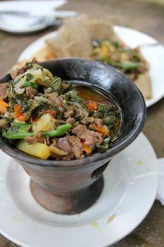 Gomen Be Siga - Tasty Ethiopian Sizzling Beef and Greens - http://migrationology.com/2014/01/gomen-be-siga-ethiopian-food/