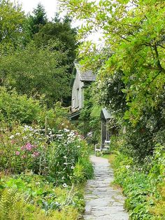 Beatrix Potter's Hill Top House and Garden by antshez