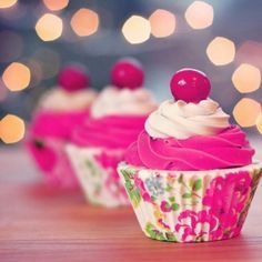 ♡ love the bright colors and playing off of the cupcake paper.