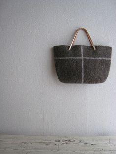 felt bag photo composition