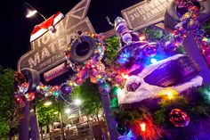 It's a tow-riffic time for the en-tire family during the holidays at Cars Land!