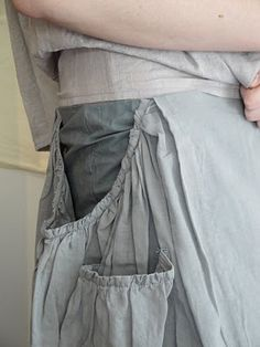 "a skirt ""born to be wrinkled"""