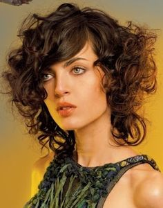 Peinados y mas Peinados: Pelo corto rizado - Tendencias 2012