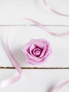 Upea ruusu valmistuu helposti ilman erikoisvälineitä.