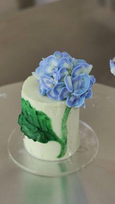 Cake Decorating Frosting, Cake Decorating Designs, Creative Cake Decorating, Cake Decorating Techniques, Cake Decorating Tutorials, Creative Cakes, Cake Designs, Cookie Decorating, Mini Cakes