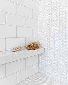 Oh the weather outside is frightful but this shower design is so delightful Repost/Design: Photo: Tile Shower Shelf, Master Shower Tile, White Tile Shower, White Master Bathroom, Bath Tiles, Shower Floor, Tiling Shower Walls, Marble Tile Shower, Tiled Walls In Bathroom
