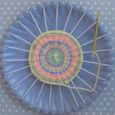 Paper plate weaving loom