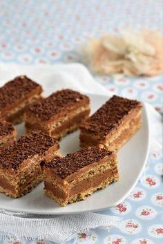 Prajitura Durere Dessert Cake Recipes, Sweets Recipes, Sweet Desserts, Dessert Bars, Baking Recipes, Chocolat Recipe, Romanian Desserts, Homemade Sweets, French Pastries