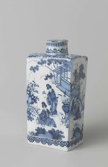 Delft blue and white porcelain tea caddy with Japanese scene and the arms of the Zinzendorf family, De Grieksche A, Adrianus Kocx, c. 1685 - c. 1695 / Rijksmuseum, Amsterdam, The Netherlands