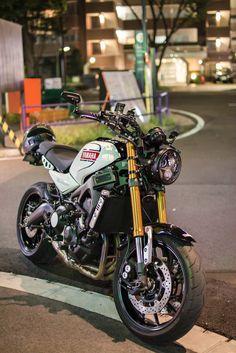 Motos Yamaha, Yamaha Motorcycles, Scrambler Motorcycle, Motorcycle Style, Vintage Motorcycles, Vw R32 Mk4, Er6n, Motorcycle Wallpaper, Cafe Racer Bikes
