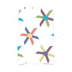 Beachcrest Home Hollister Pinwheel Pop Geometric Print Hand Towel Color: Turquoise