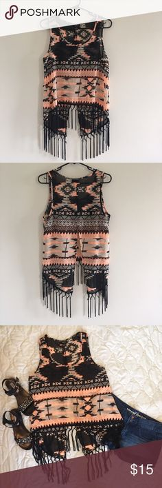 Final PriceRue 21 top size Medium Rue 21 top size medium open back new with out tag Rue 21 Tops Blouses