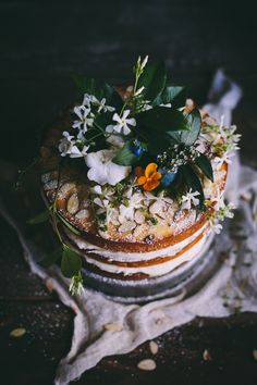 Orange Almond Cake with Orange Blossom Buttercream. #cakes #wedding #desserts