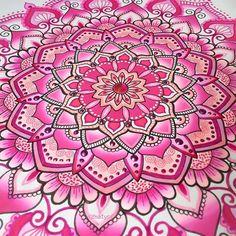 Close up of my pink mandala -> Graduation done with Chameleon pens Hope you like pink my friends!  #mandala#mandalamaze#mandalala#mandalapassion#mandaladrawing#beautiful_mandalas#heymandalas#mandalalove#mandalaplanet#zentangleart#zendoodleart#zentangleinspiredart#zentanglemandalalove#dailyart#art_4share#art_we_inspire#artoninstagram#art_spotlight#chameleonpens#mandala_sharing#sharingart#nawden#zendala#zenart#illustratenow#artoftheday#art_collective#doodling#drawing#doodleart