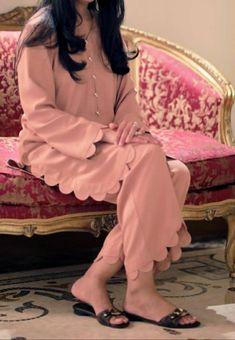 Party Wear Indian Dresses, Pakistani Fashion Party Wear, Designer Party Wear Dresses, Indian Fashion Dresses, Indian Designer Outfits, Girls Dresses Sewing, Stylish Dresses For Girls, Stylish Dress Designs, Simple Dresses