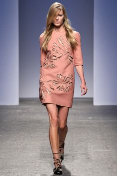 Salmon pink laser-cut leather dress by No. 21 | Spring 2014 Ready-to-Wear Collection | Style.com