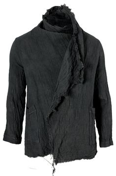 JACKET | BLACK | RIPPED | ANDROGYNOUS | UNRAVELLED | UNFINISHED | STREETSTYLE | URBAN | DESIGN | GQ | FASHION | VOGUE | GOTH |