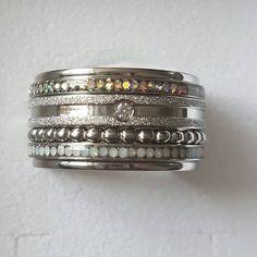 Bekijk deze Instagram-foto van @gina_georgina80 • 19 vind-ik-leuks Diamond Rings, Gold Rings, Mixed Metals, Stacking Rings, Jewelry Watches, Jewelry Accessories, Bracelets, Instagram Posts, Bling Bling