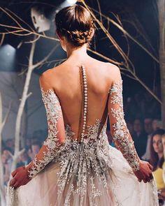 ✨✨#fashion #trend #trendy  #stylish #elegant #summer #look #outfit #instafashion #streetstyle #fashionblogger  #riyadh #saudi #nyc #celebrity #designers #makeup  #beauty #luxury #classy #casual #diamonds #brands #shopping #chic #afashioner#instastyle #runway #fashionblog