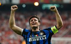 """According to Mazzarri, Zanetti's return is a huge boost for Inter! : Inter coach, Walter Mazzarri has welcomed the return to fitness of """"world-class"""" defender Javier Zanetti! The Nerazzurri's captain missed seven months of action after rupturing his Achilles tendon in a 1-0 defeat to Palermo in April, sparking rumours he could call time on his distinguished career, but the 40-year-old rubbished that notion and returned to the bench for last weekend's 3-0 triumph over Udinese! So..."""