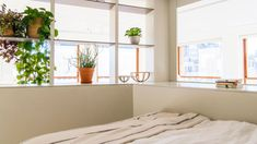 25 Easy Ways to Refresh Your Bedroom forSummer | StyleCaster