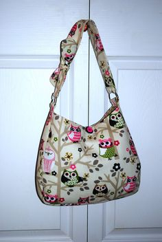 The Owl Hobo Bag @Laurel Eschenbacher....This is uber cute momma! (Found it on etsy!)