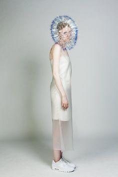 La semaine de la mode de Londres est devenue synonyme de créativité débridée et de mise en lumière de talents émergents. Je vous présente les créations de