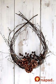 flower arrangement / Ikebana /Streublumen Some cheap ideas for Christmas Tree Projects - Christmas season is just around the corner and you may also have started some Christmas preparations. So have you thought of Christmas tree projects o. Deco Nature, Nature Decor, Nature Crafts, Christmas Crafts, Christmas Decorations, Christmas Ornaments, Lollipop Decorations, Christmas Tables, Nordic Christmas