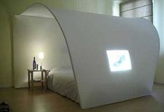 Modern-White-Bedroom-Furniture-Design-With-A-Unique-Shape.jpg (570×391)