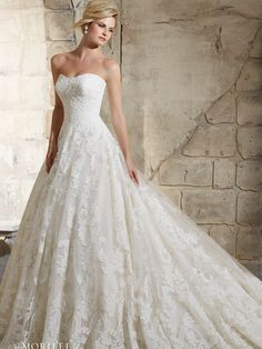 Classic Lace Ballgown Style Wedding Dress Strapless Sweetheart Neck And