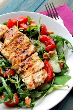 chicken and honey roasted cashew salad. Looks yummy, potential work lunch dish. Not yet tried and tested.