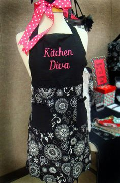 Do you know a hostess with the mostess?!  How about showing her how fab she is with a Thirty-One apron?!!