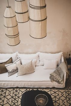 Trendy Hairstyles For Women Lampe Salon Design, Rose Gold Lamp, Gold Lamps, Salons Cosy, Rustic Desk, Living Room Remodel, Living Rooms, Piece A Vivre, Deco Design