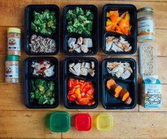 If you had these cool divider containers wouldn't it make meal prep so much more organized and easier? Having the right containers for your food is essential for staying organized. These ChefLand containers from Amazon come in different sizes are dishwasher safe and are awesome for re-use! Use your 21 Day Fix containers to portion out your food and then store your meals in containers like these. Source: Team Beachbody Blog - http://ift.tt/1HQJd81