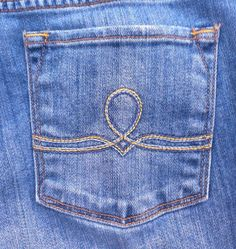 Lucky Brand Sofia Boot Cut Denim Jeans Women's Size 6/28 Mid-Rise Inseam 32 $20.00 #LuckyBrand #BootCut www.iiwiiMerchandise.com