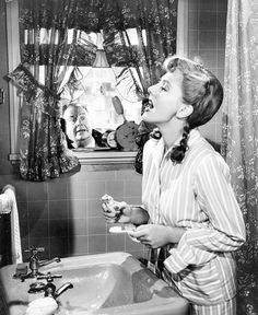 Jean Arthur (1900-1991) in The More the Merrier (1943). I highly suggest this film. Fun Fact: Jean was 43 when she made TMTM. ;)