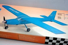AVIOMODELLI VICTOR 1480mm OVP Bausatz - cyan74.com vintage and pop culture