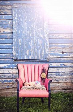 Love this pic taken by Heather Renee Photography in Piedmont, OK in The Old Store's pink chair.